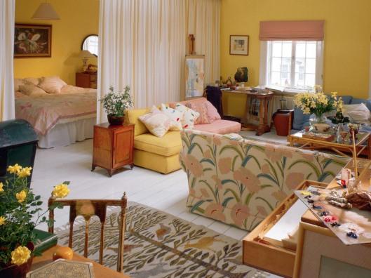 Bright, Well-Designed Studio Apartment