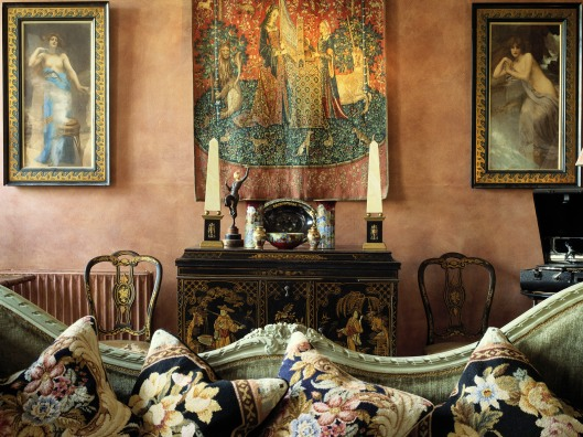 Lounge Decorated with Antiques