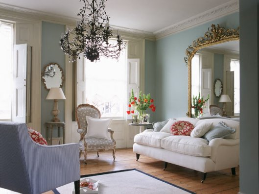 blue-feminine-living-room