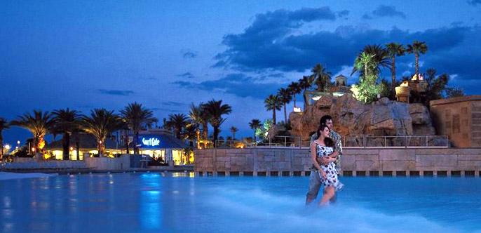 Mandalay-Bay-Hotel-Casino-Las-Vegas-Romance